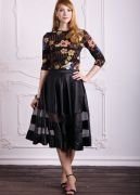 атласная черная юбка